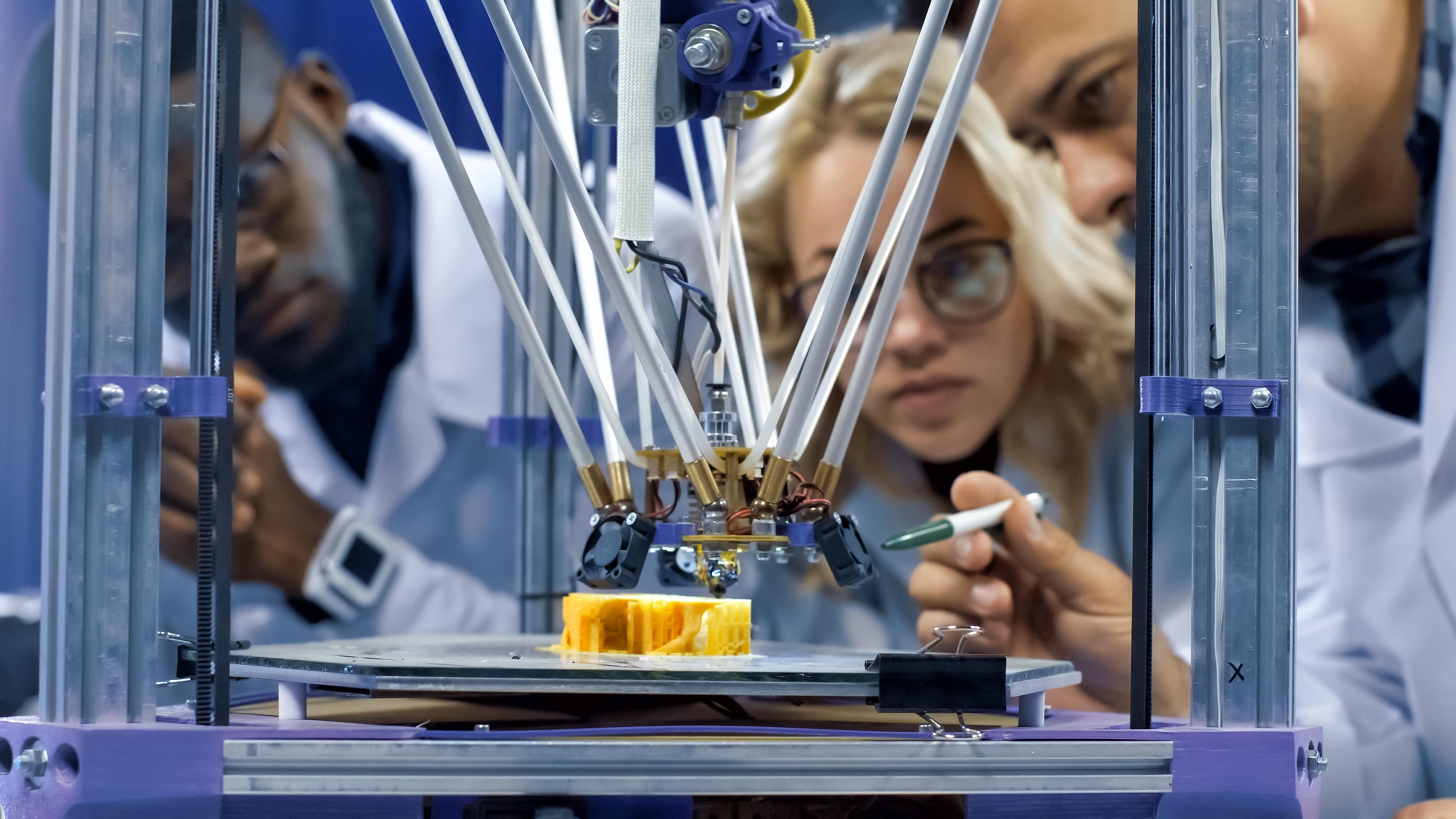 Forscher beobachten 3D-Drucker
